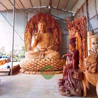 Tượng Phật Bổn Sư Lớn Nhất Việt Nam Bằng Gỗ Mít