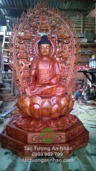 Tượng gỗ Phật Bổn Sư