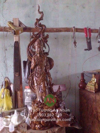 Tượng gỗ quan âm bồ tát