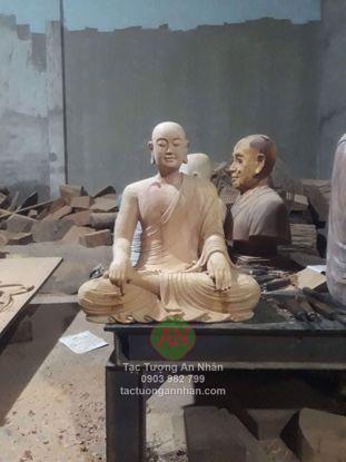 Tượng Gỗ Phật Hoàng Trần Nhân Tông