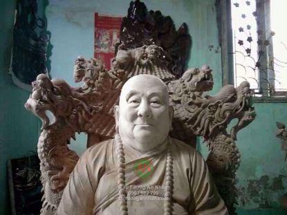 Tượng Gỗ Truyền Thần Sư Bà Hải Triều